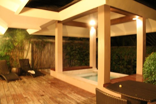 Amorita Resort:                   plunge pool