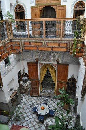Riad Laayoun:                   suite cannelle à l'étage