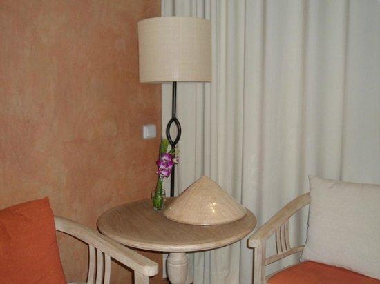 Mercure Samui Chaweng Tana Hotel:                                     comfortable room