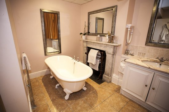 Wroxall Abbey Hotel & Estate: Mansion Master Suite