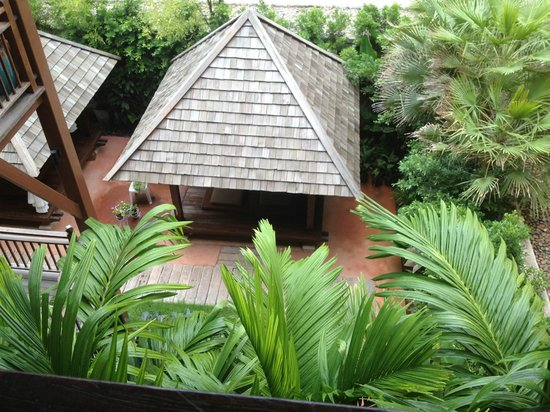 Mercure Samui Chaweng Tana Hotel:                                     garden