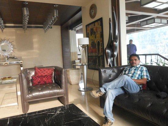 Hotel M1:                   reception lounge