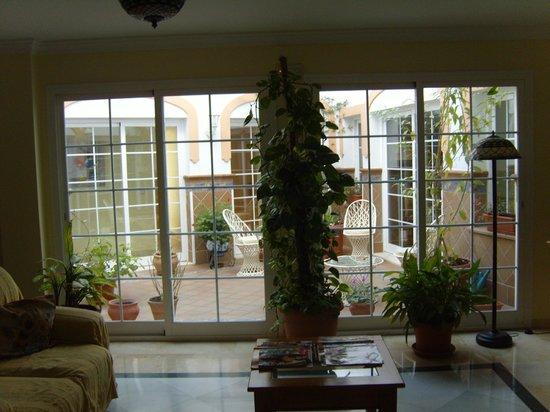 Apartamentos Casanova:                   outside area