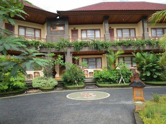 布瓦納烏布酒店照片