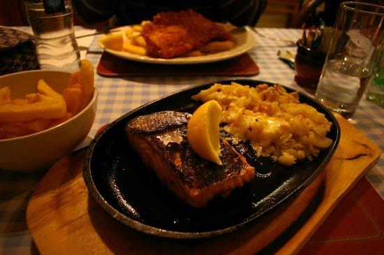 Spean Bridge Hotel Restaurant:                   Salmone