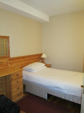 Harbour Mill:                   Single bed in twin room