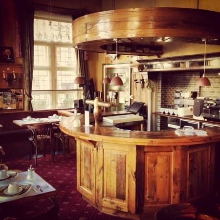 Hotel Bourgoensch Hof:                   Hotel Bar