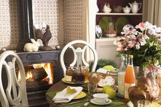 La Petite Folie: Breakfast room