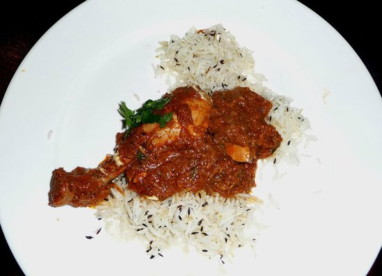 The Chill Out Cafe: Chicken Gujarati style. 1 leg + breast chunks.