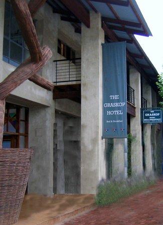 Façade du Graskop Hotel, Main Street,
