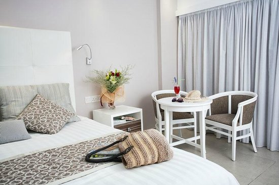 Asterias Beach Hotel: Standard Room