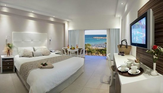 Asterias Beach Hotel: Sea View Room