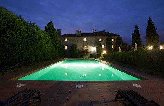 Pazo de Bentraces: Swimming Pool