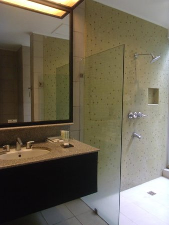 Club Punta Fuego:                   Room 7A - Bathroom