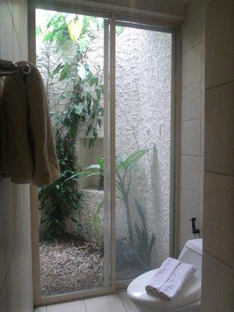Club Punta Fuego:                   Room 7A - Bathroom                 