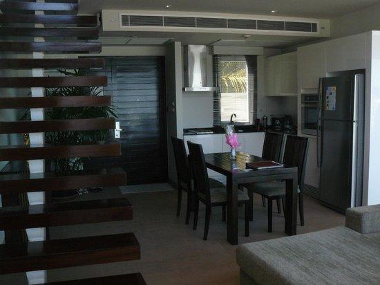 Serenity Resort & Residences Phuket: espace cuisine salle a manger pool residence