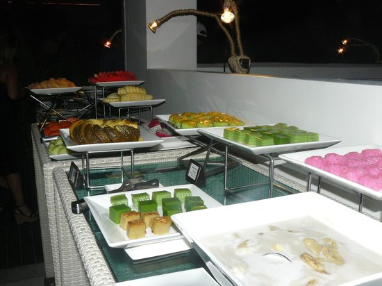 Serenity Resort & Residences Phuket: buffet de dessert