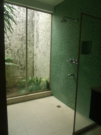 Club Punta Fuego:                   Room 7B - Bathroom
