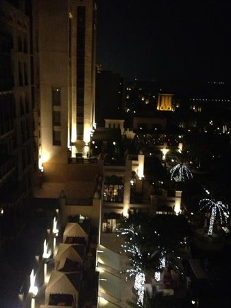 Jumeirah Mina A'Salam:                   At night