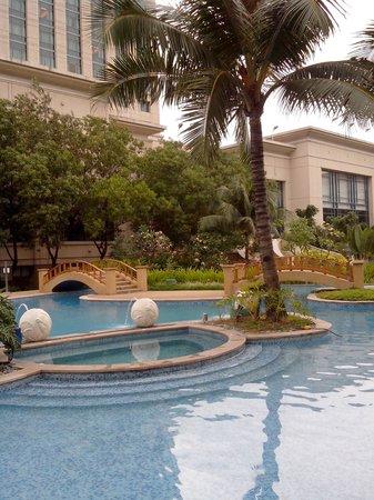 Radisson Blu Cebu: beautiful pool