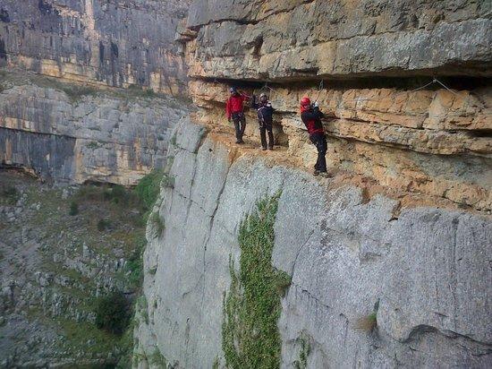 Cerchiara di Calabria, Włochy:                   Esposti sulla gola...bbbrrr