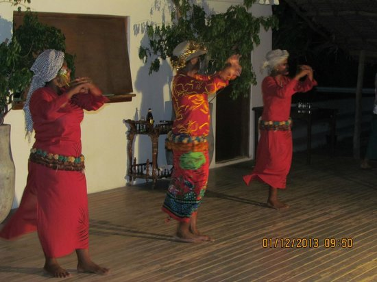 Navutu Stars Fiji Hotel & Resort: Dance show Twice weekly