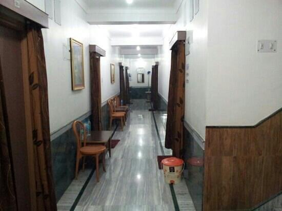 Hotel Shradha:                   Lobby