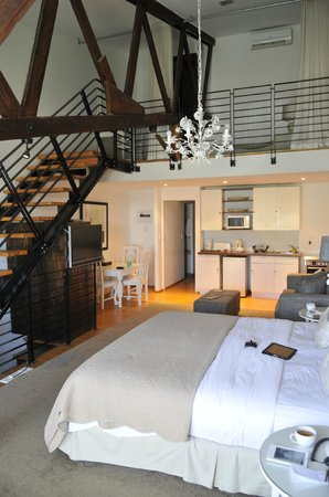 The Lofts Boutique Hotel:                   loft no 5a