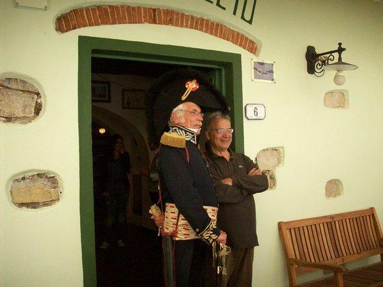 Ristorante Pizzeria Il Cantuccio:                   Mai 2012 avec le boss...