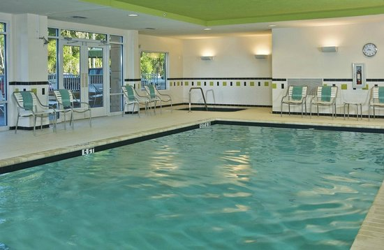 Fairfield Inn & Suites Marietta: Pool/ Hot Tub