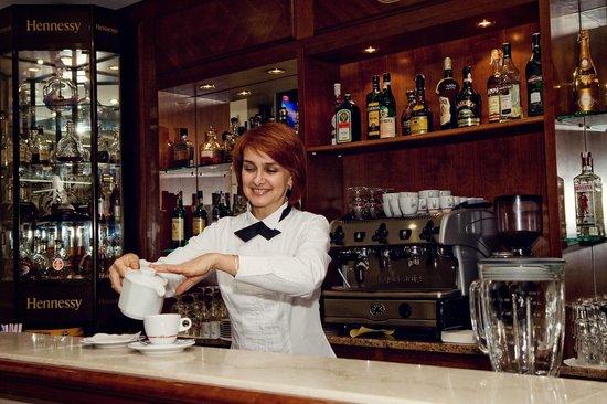 Hotel Oreanda: Lobby Bar