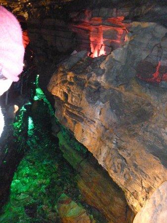 Howe Caverns照片