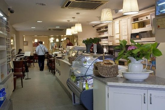 Niamhs Restaurant and Delicatessen: Deli shop and takeout sandwich bar
