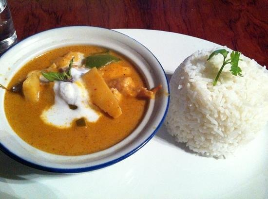 Thai-Mere:                   red chicken curry, wasn't as spicy as I expected, but still worth the price an