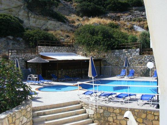 Hotel Zafiria:                   Zwembad