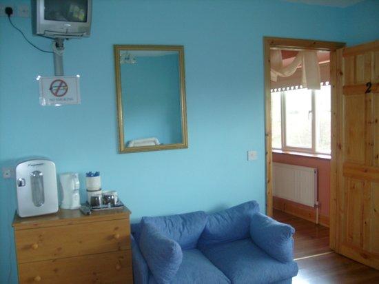 Douglasha House : Tea/Coffee Facilities in Bedrooms.