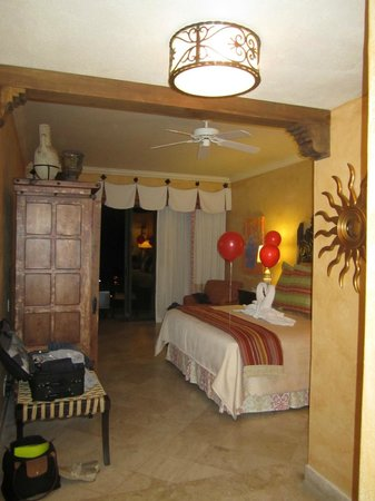 Hilton Los Cabos Beach & Golf Resort:                   Beautiful Room