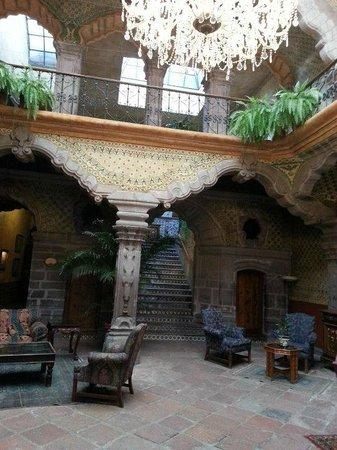 La Casa de la Marquesa:                   lobby