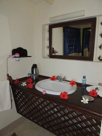 Matemwe Lodge, Asilia Africa: La salle de bain très mignonne