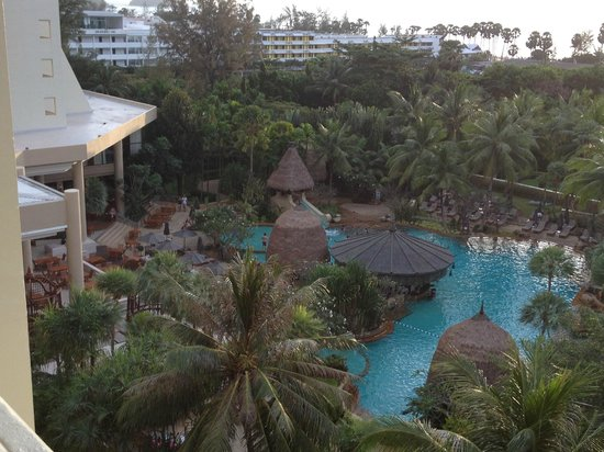 Movenpick Resort & Spa Karon Beach Phuket:                   vue