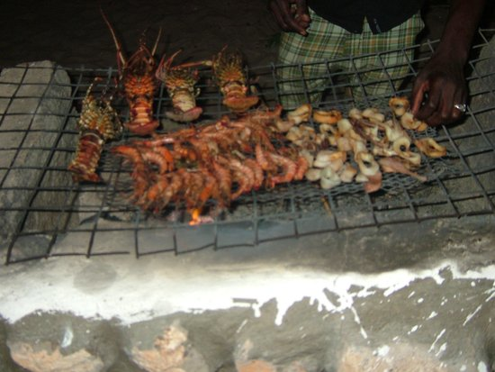 Tiwi Sea Breeze Restaurant:                   BBQ Seafood for dinner