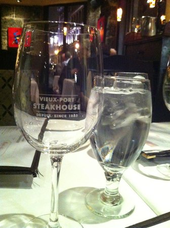 Coupe de vin picture of vieux port steakhouse montreal tripadvisor - Restaurant vieux port de quebec ...