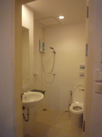 Maithai Hostel:                   salle de bain 304