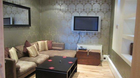 Greyfriars Apartments: Sitting Room