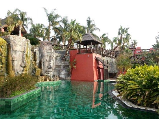 Asia Gardens Hotel & Thai Spa, a Royal Hideaway Hotel:                   jardines