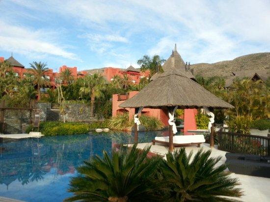 Asia Gardens Hotel & Thai Spa, a Royal Hideaway Hotel:                   jardines y piscina