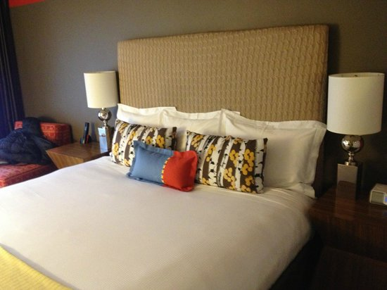 Sky Hotel - a Kimpton Hotel:                   King room