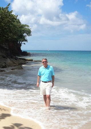 The Flamboyant Hotel & Villas: At Grand Anse Beach in front of the hotel