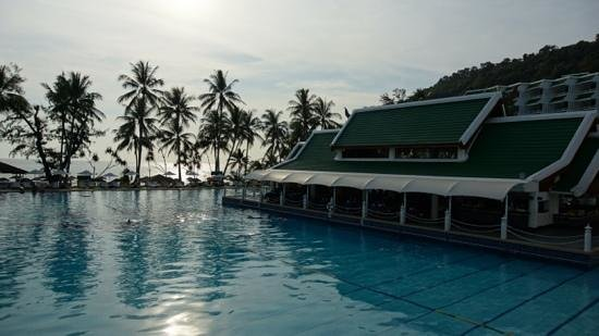 Le Meridien Phuket Beach Resort:                   январь 2013
