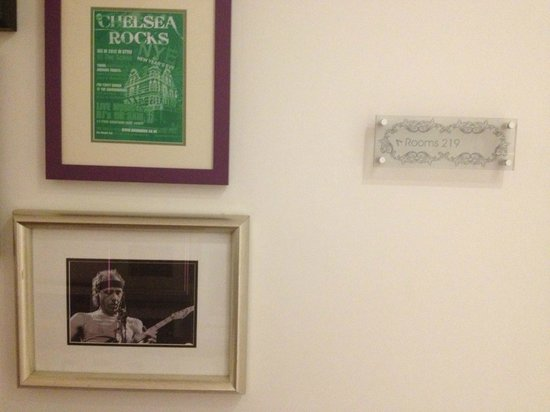 Hotel Indigo London Kensington:                   The LEGEND Mark Knopfler in framed photo